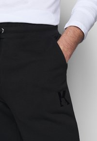KARL LAGERFELD - PANTS - Tracksuit bottoms - black - 3