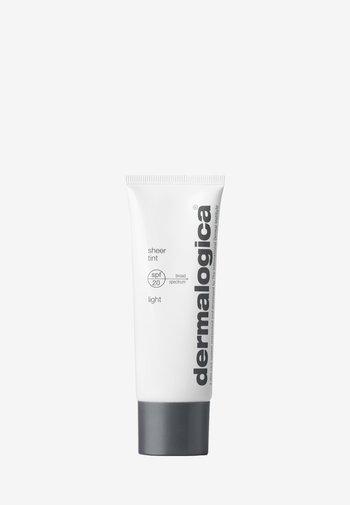 SHEER TINT SPF20 LIGHT  - CC cream - -