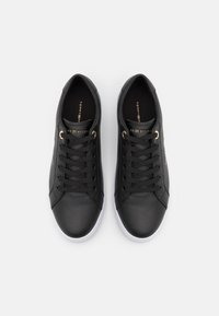 Tommy Hilfiger - SIGNATURE CUPSOLE  - Sneakers basse - black - 5