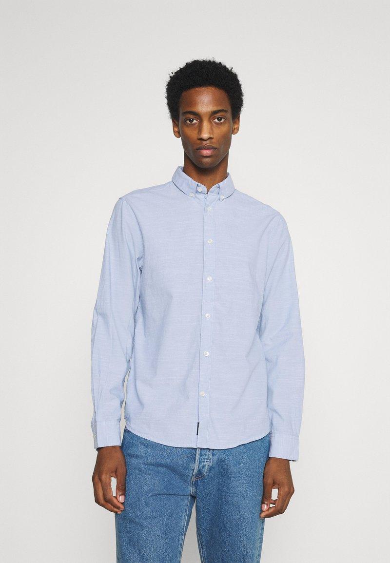 TOM TAILOR - REGULAR SMART SLUB - Shirt - light blue chambray