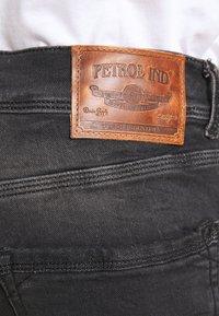 Petrol Industries - JACKSON - Slim fit jeans - black stone - 4