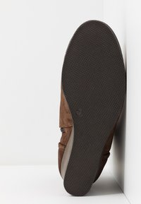 Scholl - LIDEAN  - Wedge Ankle Boots - brown - 6