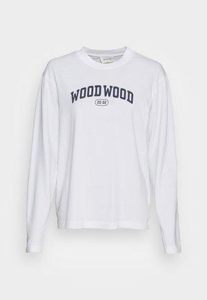 ASTRID - Camiseta de manga larga - white