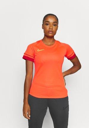 W NK DF ACADEMY21  - Sports shirt - bright crimson/gym red/volt