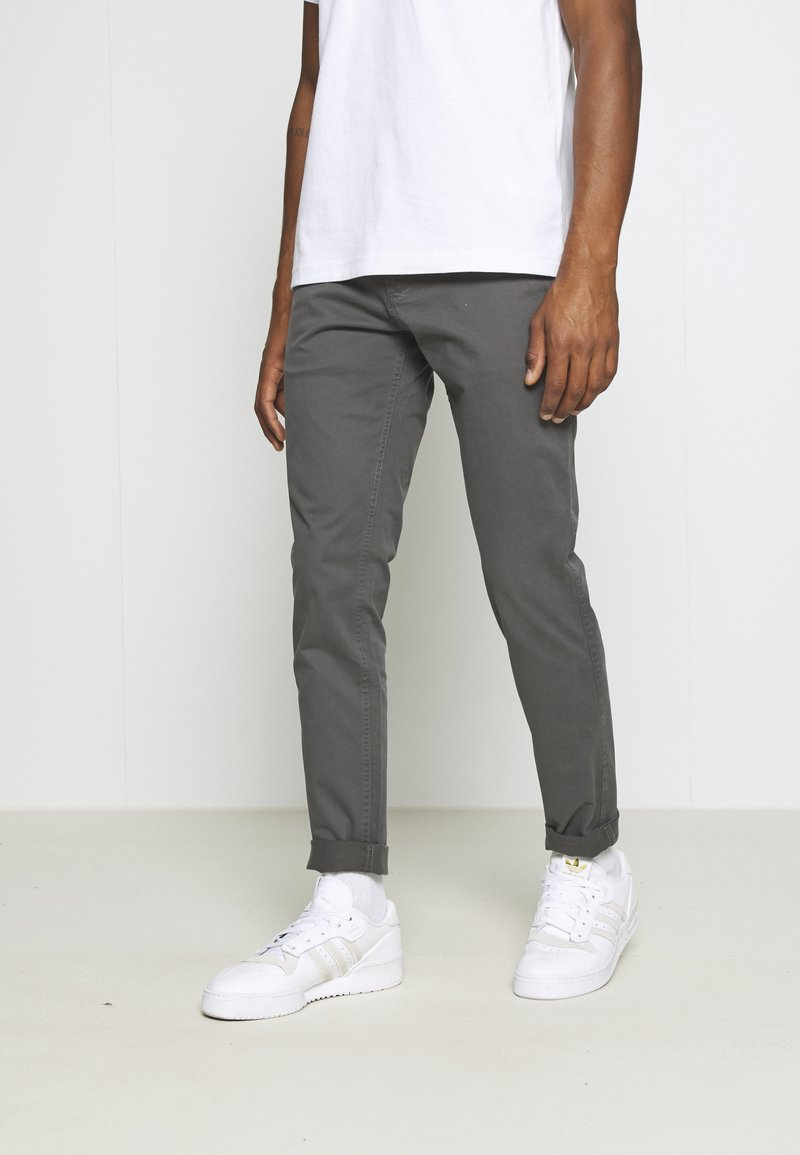 Tommy Jeans - SCANTON PANT - Chinos - dark ash