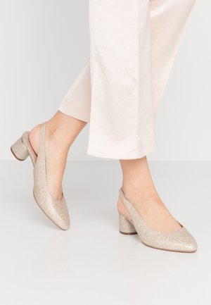 WIDE FIT DOLLAR CYCLINDER HEEL SLINGBACK COURT - Classic heels - gold