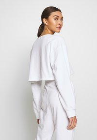 Missguided - ZIP FRONT CROPPED  SLIM LINE SET - Survêtement - white - 3