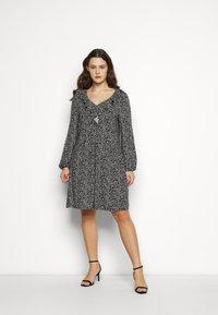 Evans - V NECK MONO DRESS - Jersey dress - black - 0
