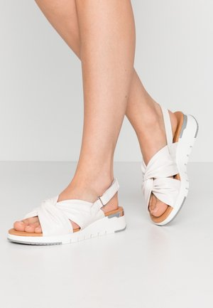 Sandály na platformě - white