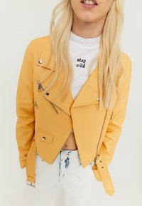 TALLY WEiJL - Faux leather jacket - yellow - 3