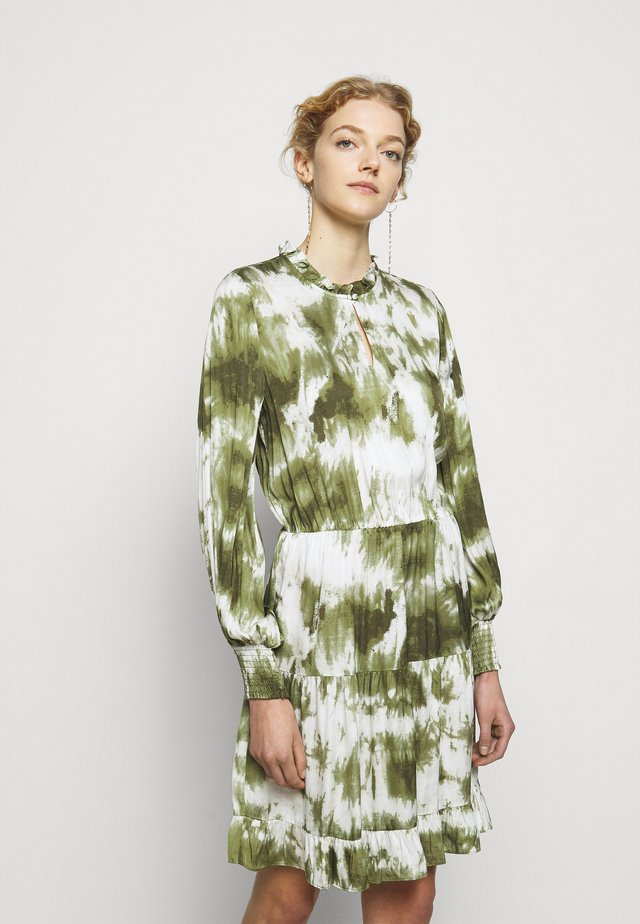 MALEA DRESS - Freizeitkleid - fade