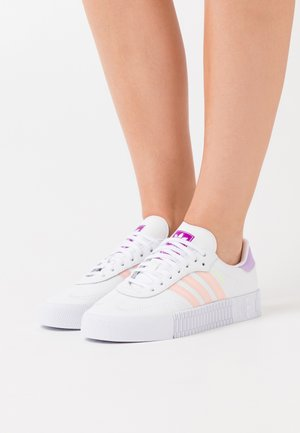 SAMBAROSE SPORTS INSPIRED SHOES - Trainers - footwear white/hazel coral/shock purple