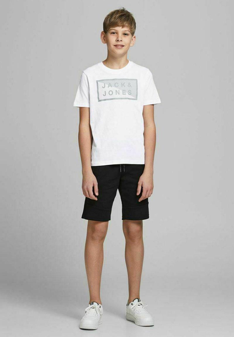Jack & Jones Junior - JCOSHAWN - Print T-shirt - white