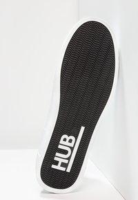 HUB - HOOK - Trainers - white - 4