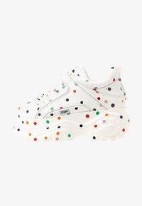 white / multicolor