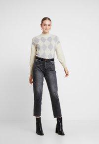 ONLY - ONLBERIL CHECK HIGHNECK - Strikkegenser - whitecap gray/light grey melange/silver - 1