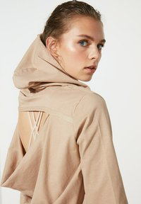 Trendyol - Basic T-shirt - brown - 3