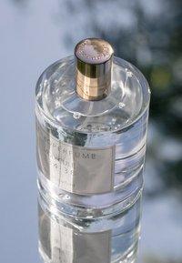 ZARKOPERFUME - MOLECULE 234·38 - Perfumy - neutral - 1