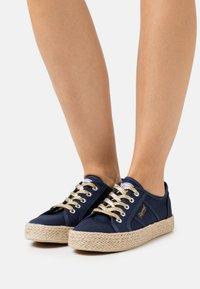 Kaporal - TORGATY - Sneakersy niskie - marine - 0
