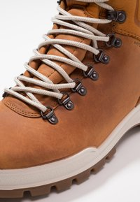 ECCO - TRACK 25 - Hiking shoes - brown - 5