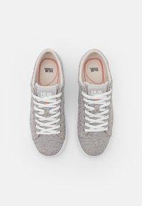 HUB - HOOK - Sneakers laag - greyish/neutral grey/white - 5