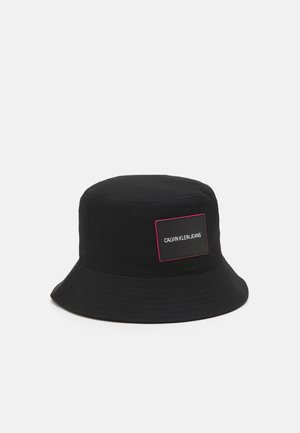 SPORT ESSENTIALS BUCKET - Hat - black