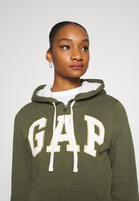 GAP - Zip-up hoodie - army green - 4