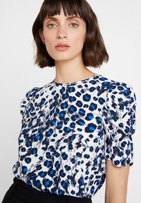 Whistles - BRUSHED LEOPARD SHELL - Blouse - white/multi - 3