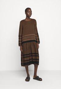 CECILIE copenhagen - JOSEFINE - Denní šaty - black/oak - 0