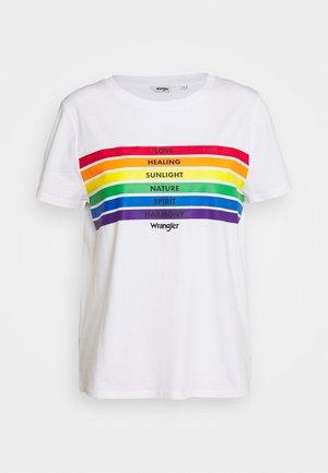PRIDE TEE - Camiseta estampada - white