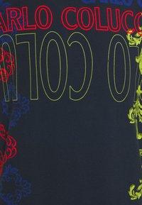 Carlo Colucci - UNISEX - Print T-shirt - navy - 6