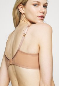 Agent Provocateur - LUCKY BRA - Underwired bra - cacao - 4