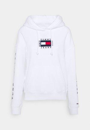 BOX FLAG HOODIE - Kapuzenpullover - white