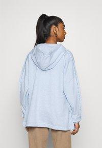Nike Sportswear - HOODIE EARTH DAY - veste en sweat zippée - light armory blue/heater/white - 2