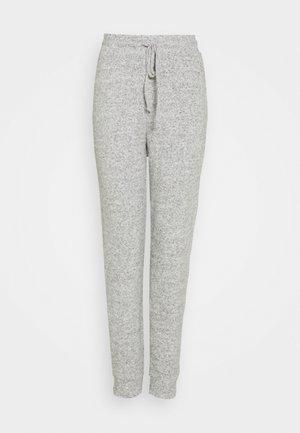 ONLFANDY LOUNGE PANTS - Joggebukse - light grey melange