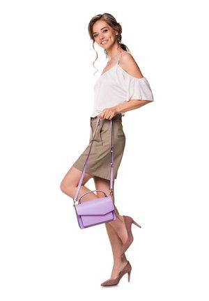 Across body bag - lila