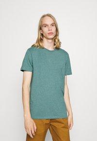 Burton Menswear London - DUCKEGG 3 PACK - T-shirt basic - multi - 3