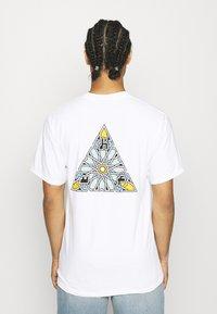 HUF - MOROCCAN TEE - Print T-shirt - white - 2
