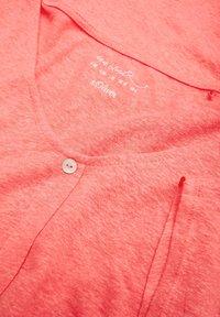 s.Oliver - KURZARM - Print T-shirt - coral - 3