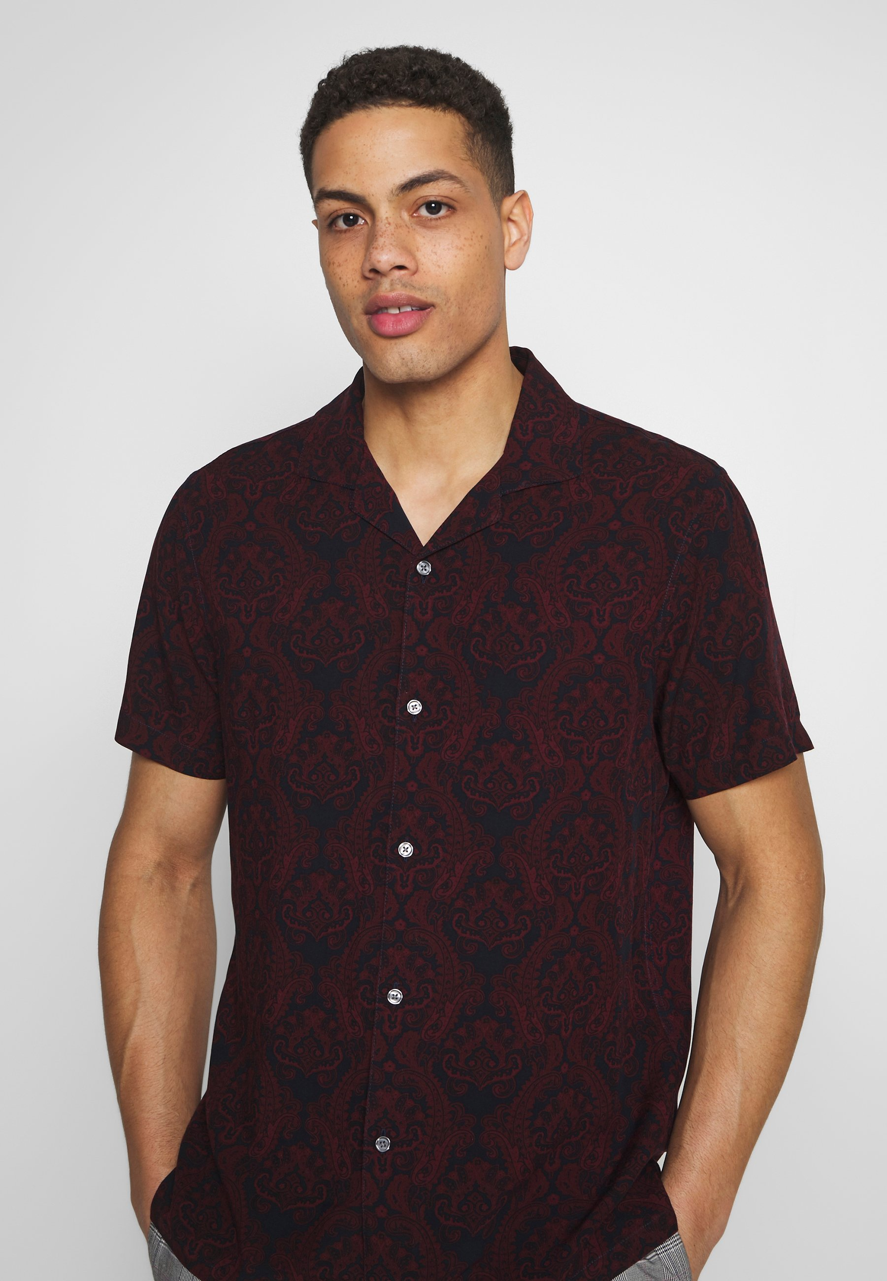 Abercrombie & Fitch SHORT SLEEVE RESORT - Skjorte - red