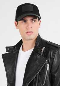 Armani Exchange - LOGO PATCH  - Cap - nero - 1