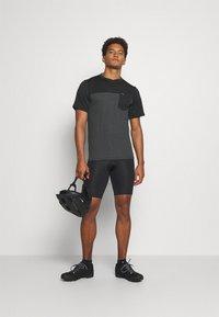 Dakine - VECTRA - T-shirt imprimé - castlerock/black - 1