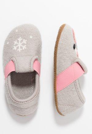 T-MODELL WINTERFLAMINGO - Slippers - grey