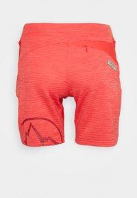 La Sportiva - CIRCUIT - Korte sportsbukser - hibiscus/flamingo - 1