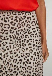 Oui - A-line skirt - light grey camel - 3