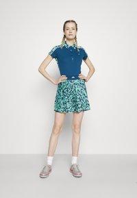 J.LINDEBERG - BINX PRINTED GOLF SKIRT - Sports skirt - poseidon - 1