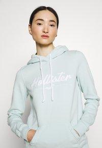 Hollister Co. - CHAIN TECH CORE - Hoodie - mint - 4