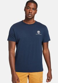 Timberland - ARCHIVE BACK WWES - Basic T-shirt - dark sapphire - 0