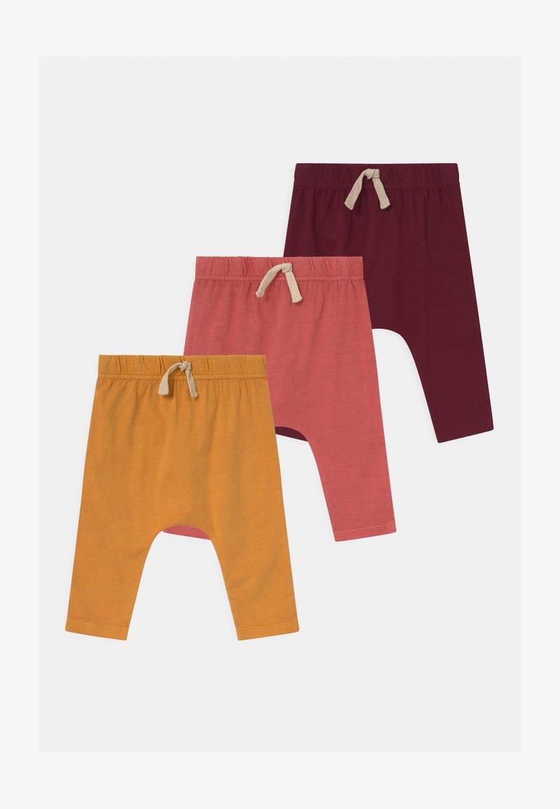 Cotton On - ANDERS 3 PACK UNISEX - Trousers - noir grape/burnt squash/red brick