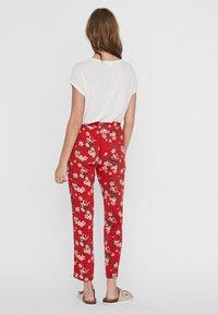 Vero Moda - Trousers - goji berry - 2